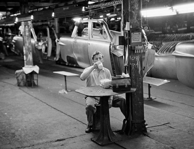 49_ford_assembly_line_252