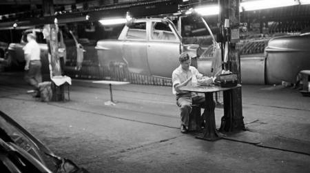 49_ford_assembly_line_259