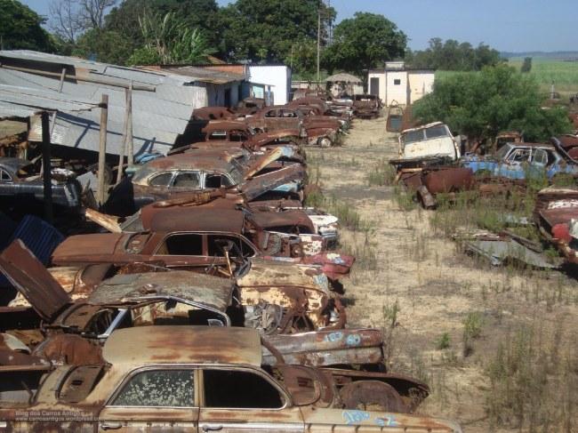 ferro_velho_rs_carros_antigos_32