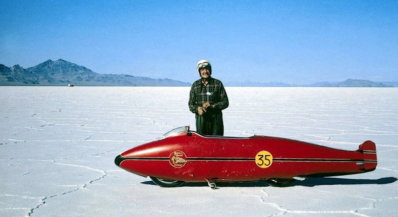 burt_munro_on_the_salt-2