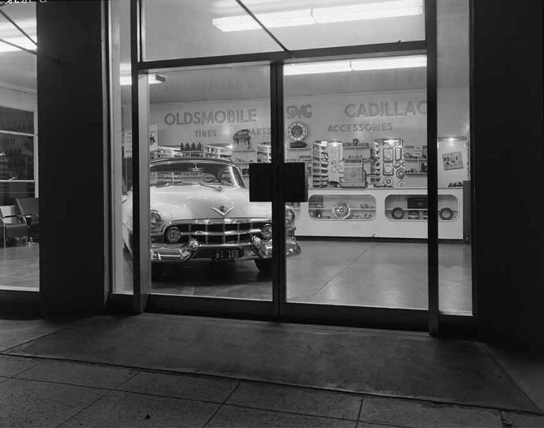 cadillac_dealer_1953