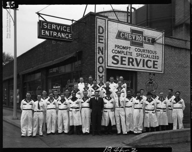 chevrolet_old_dealer_1944