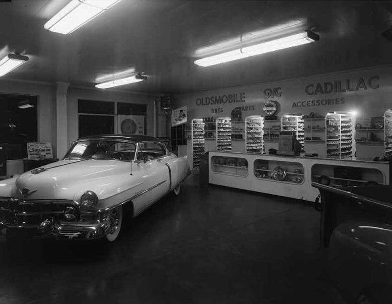 oldsmobile_dealer_1953