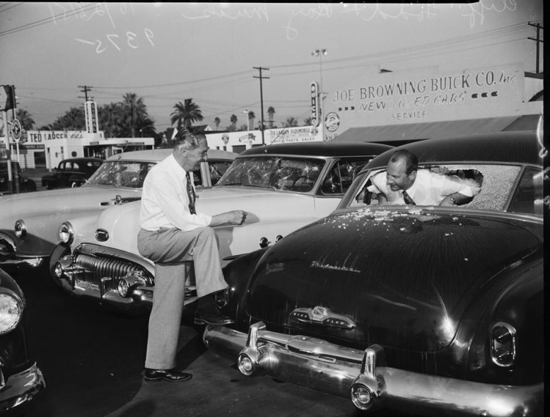 buick_dealership_1951_01