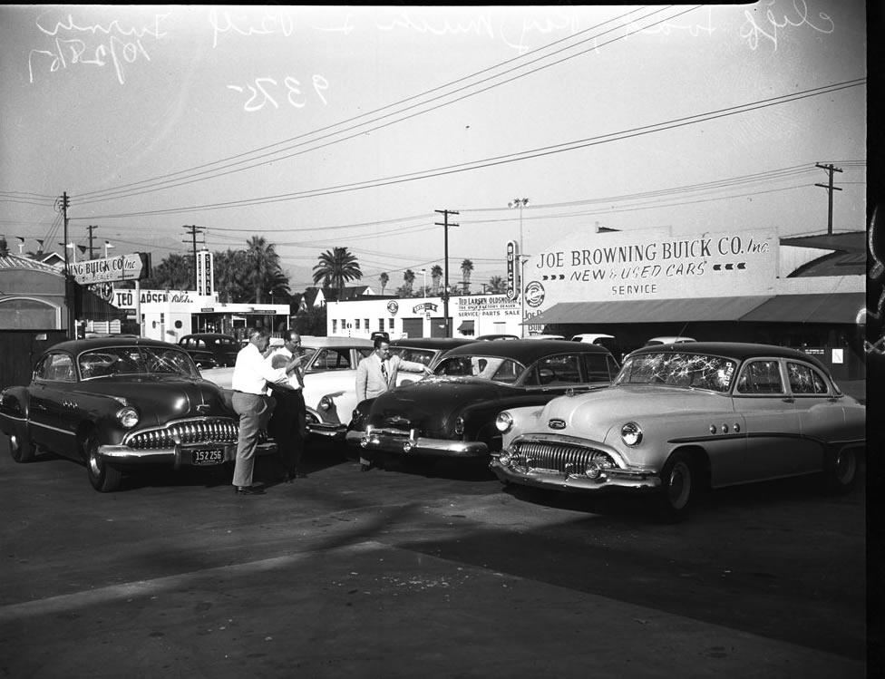 Buick dealership carros antigos for General motors dealership near me