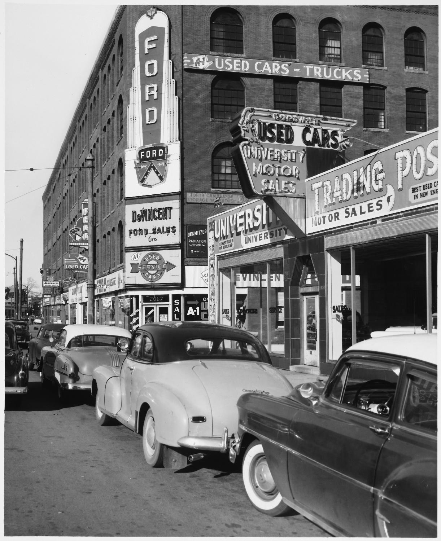 Vintage Pontiac Dealership: 301 Moved Permanently