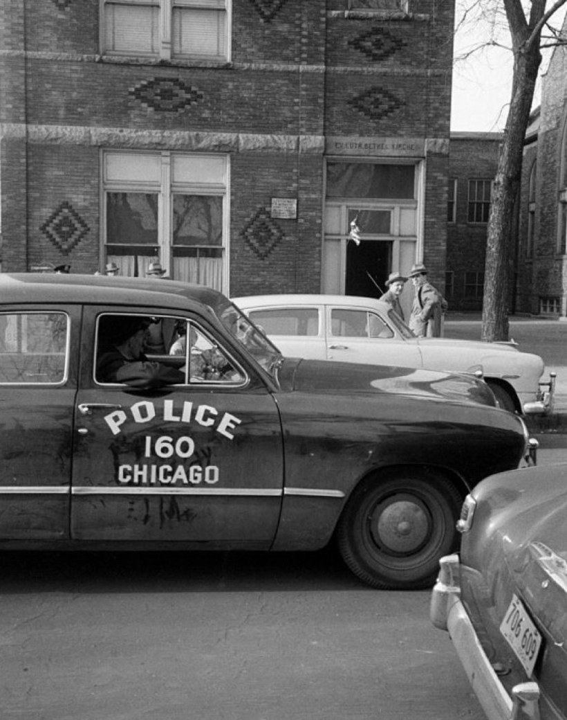 Photo_ 1950 Ford in 1952   Chicago Police vehicles up to 1959 album   copcar dot com   Fotki.com, photo and video sharing made easy.