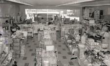 13_1950-06_fastco_drug_interior_c