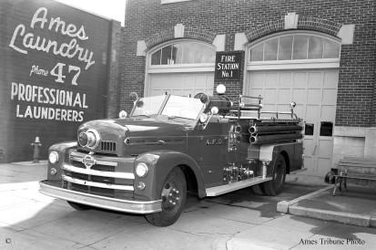 1951-09_seagrave_firetruck_q_c