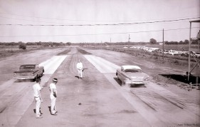 25_1958-06_drag_strip_starting_line_c