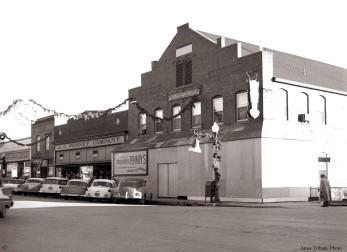 39_1957-12_penneys_main_street_c